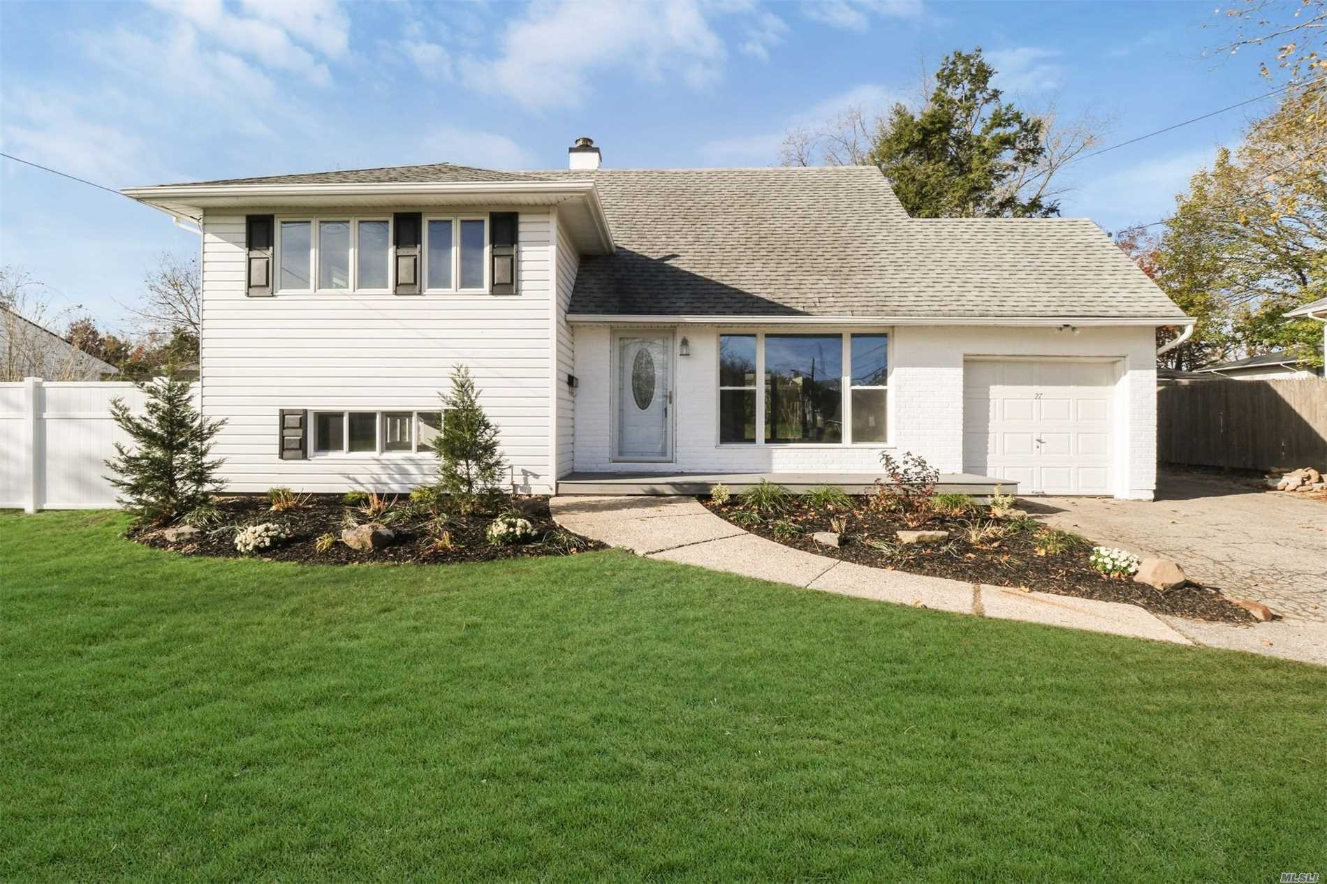 27 Wiltshire Dr - Commack, New York