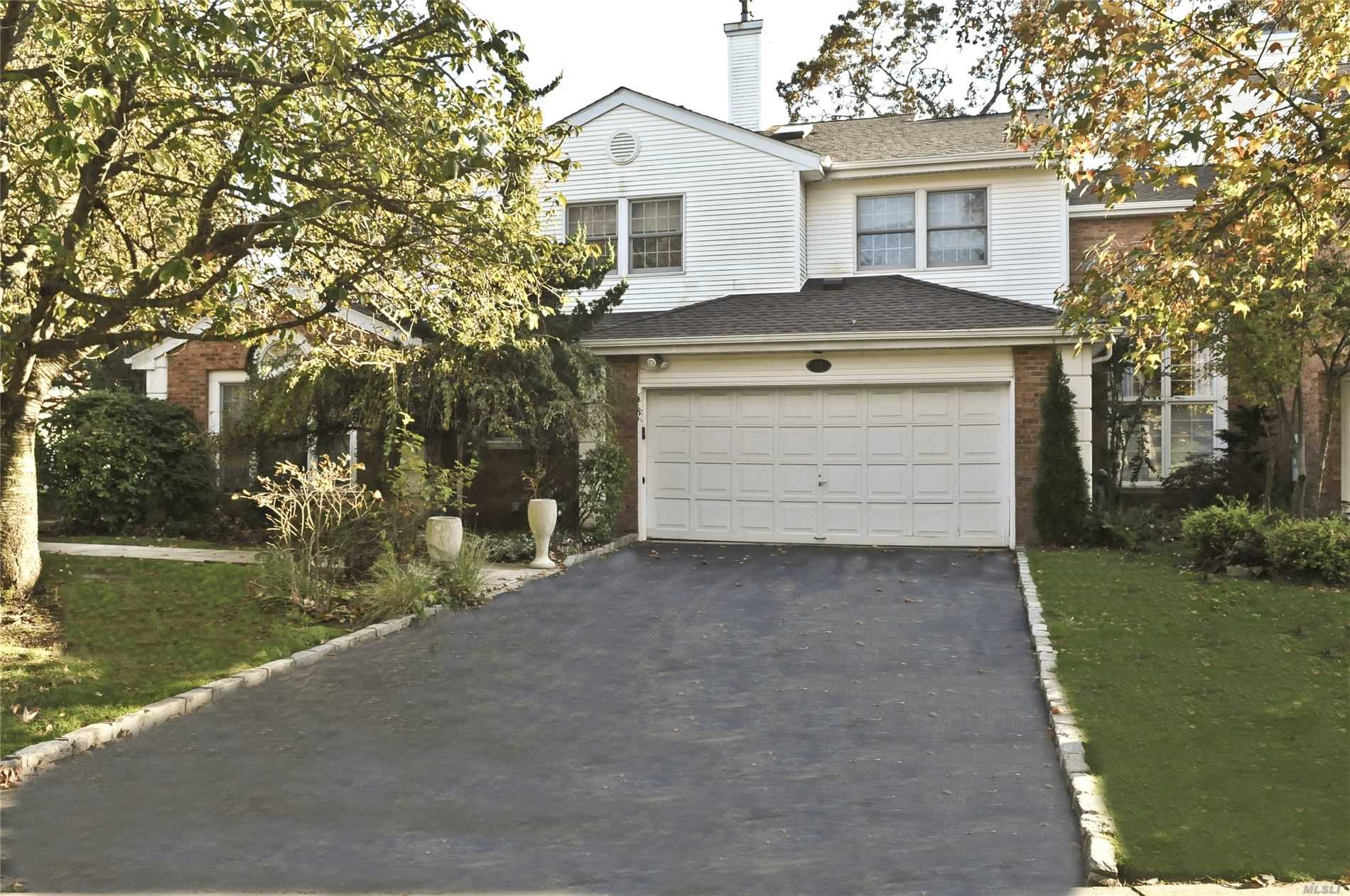 78 Hamlet Dr - Commack, New York