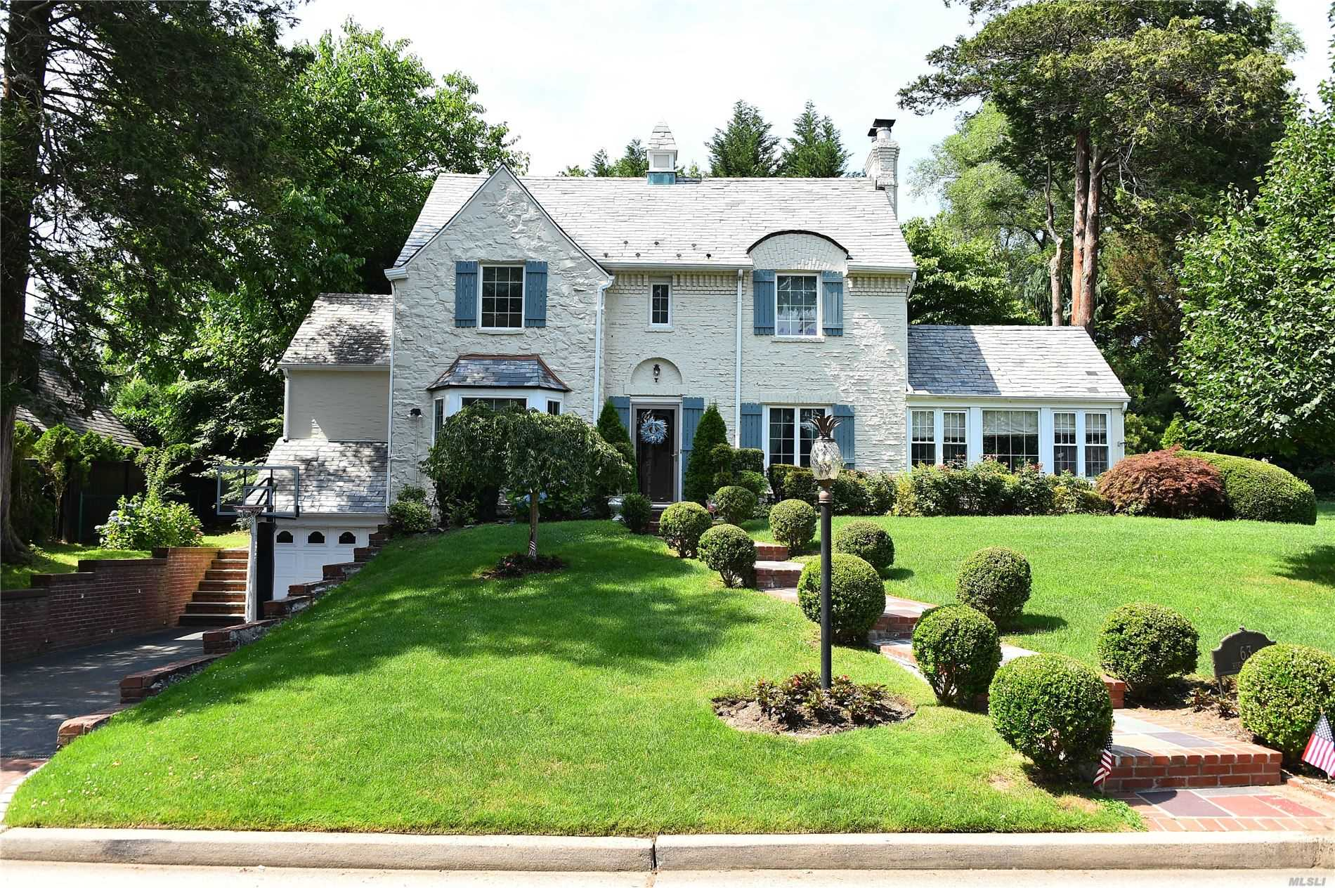 63 Rugby Rd - Manhasset, New York