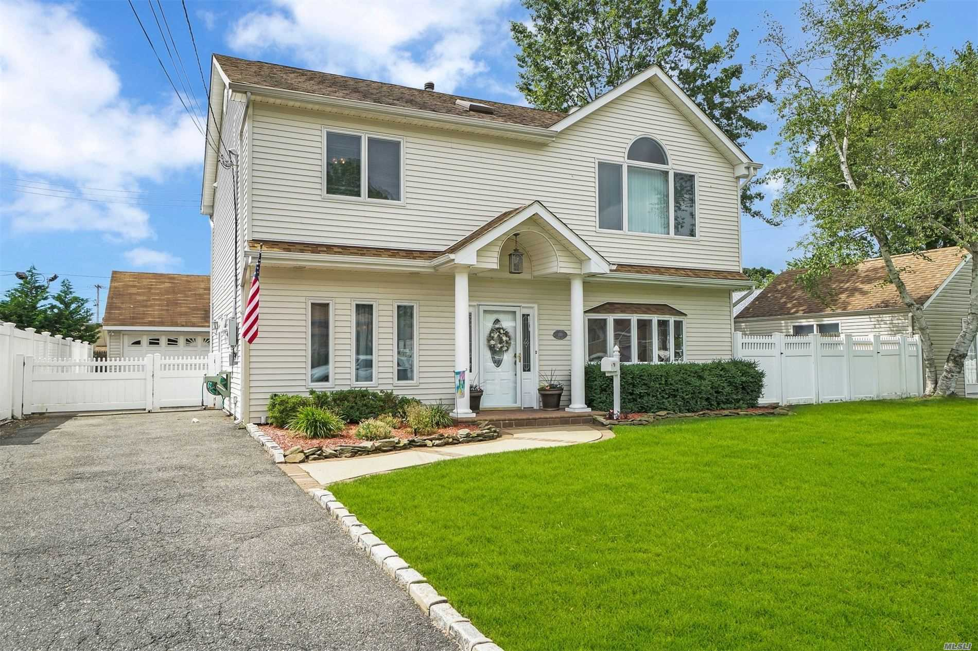 110 Beverly Ave - Massapequa Park, New York