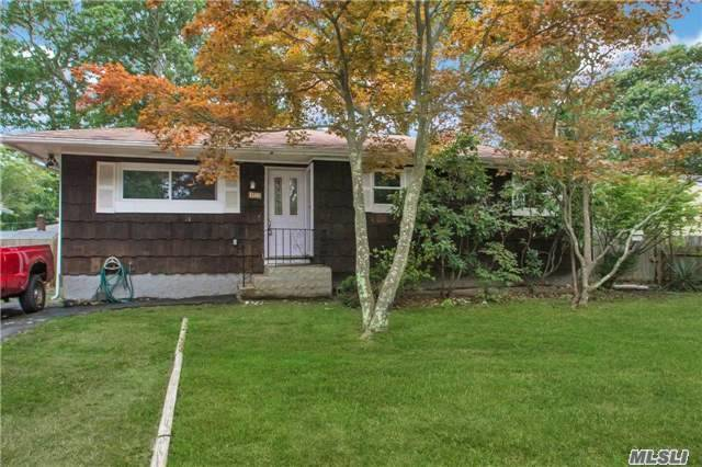132 Moriches Ave - Mastic, New York