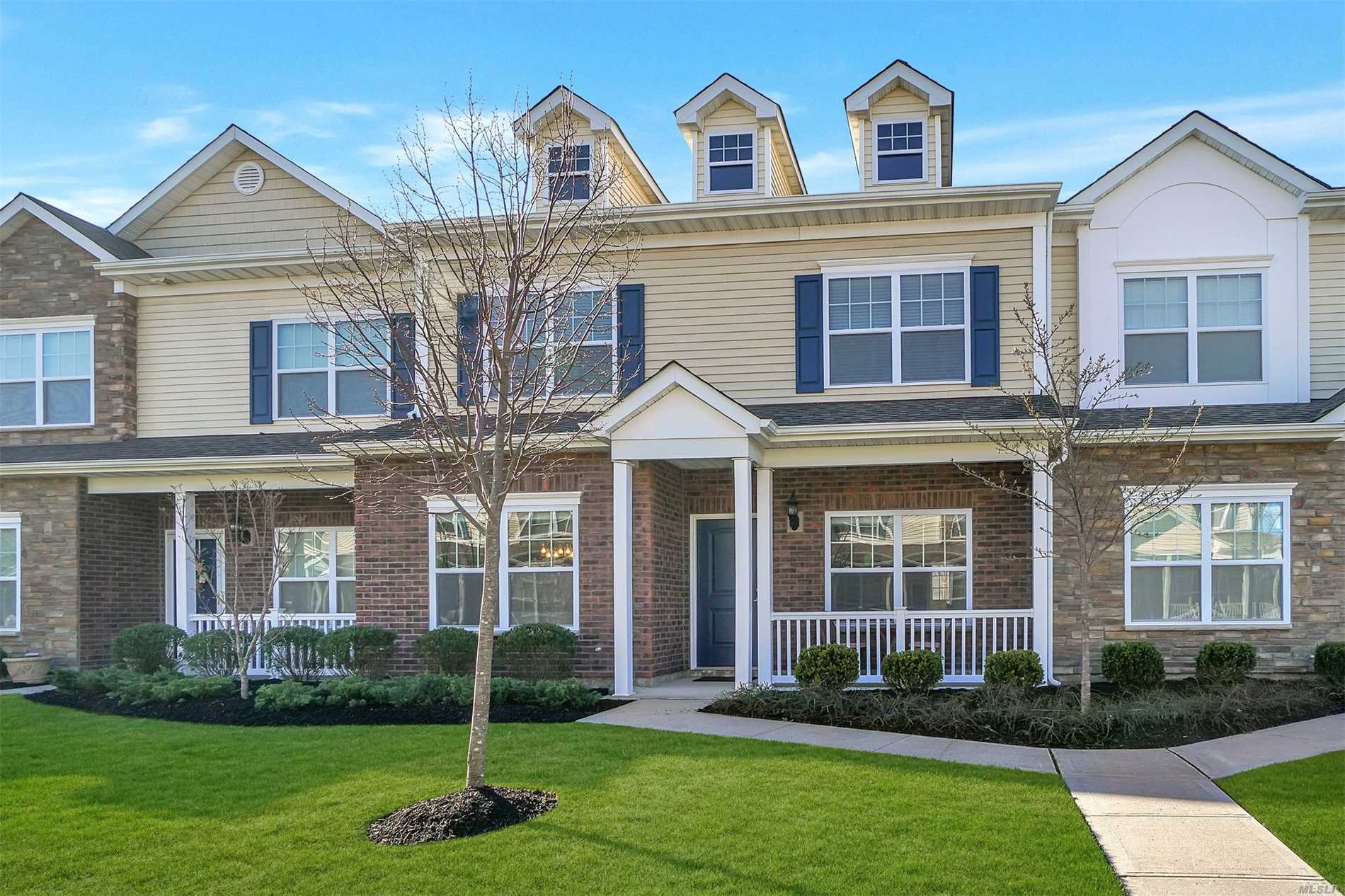 132 Rosebud Ct - Patchogue, New York