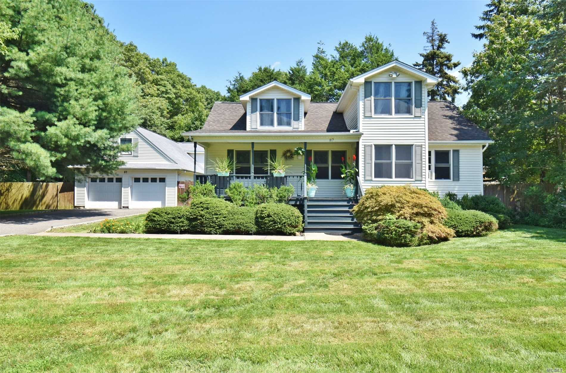 87 Daly Rd - E. Northport, New York