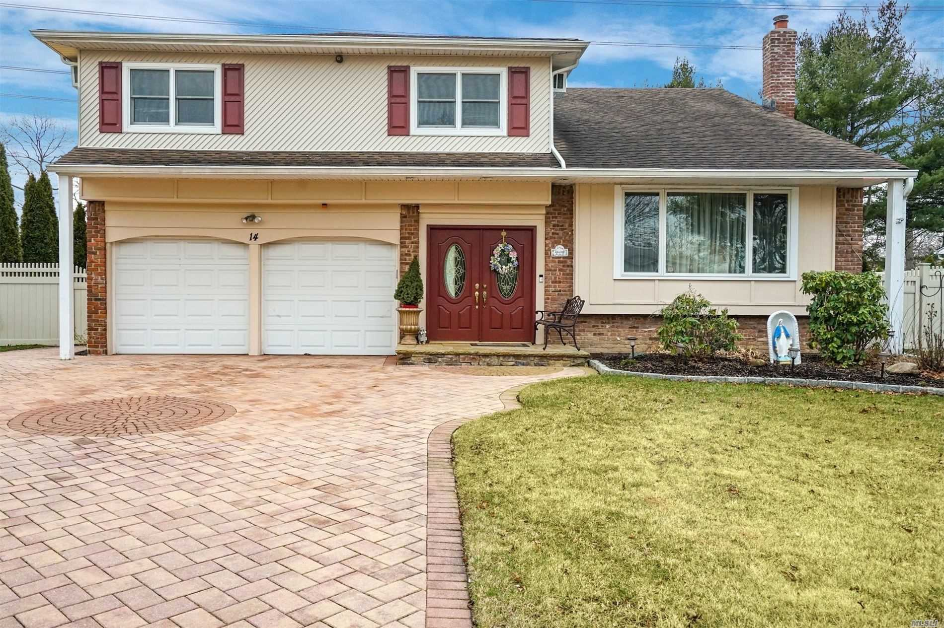 14 Sioux Dr - Commack, New York