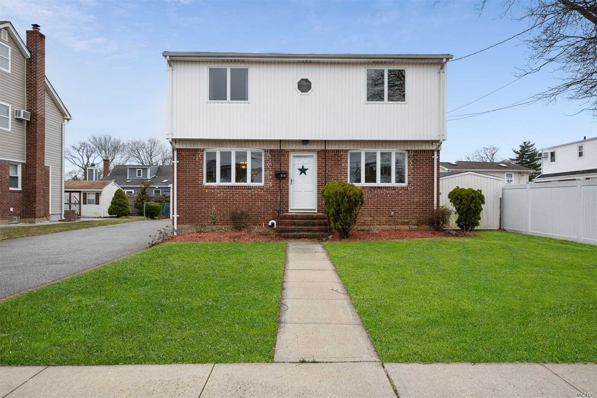 516 Hull St - East Meadow, New York