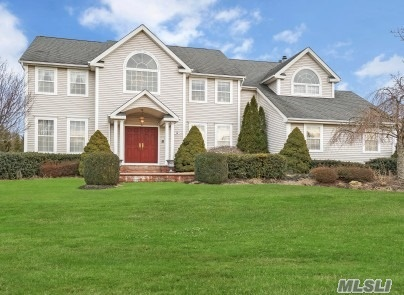 15 Arborvitae Ln - Miller Place, New York