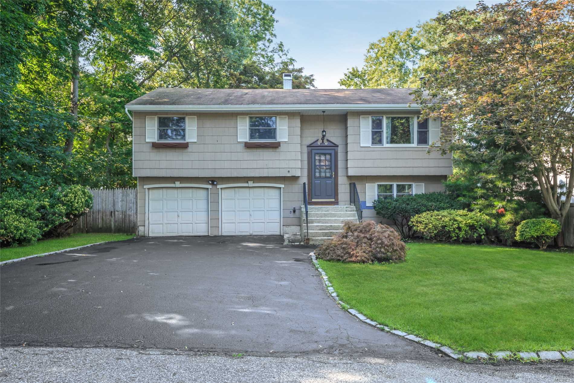 226 Wildwood Rd - Ronkonkoma, New York