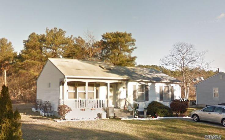 215 Massachusetts Ave - Bay Shore, New York