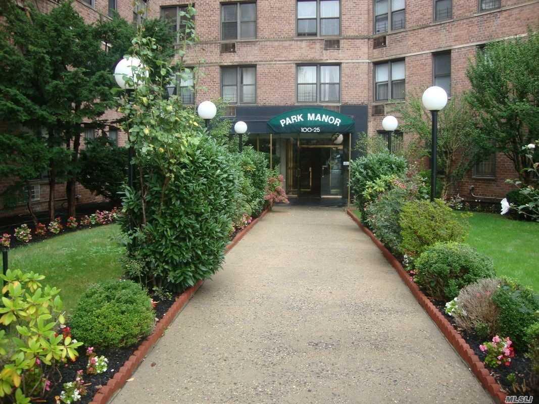 100-25 Queens Blvd, 4Ee - Forest Hills, New York