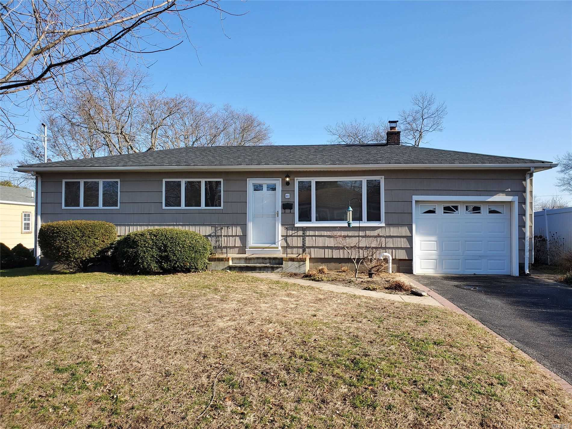 117 N Summit Ave - Patchogue, New York