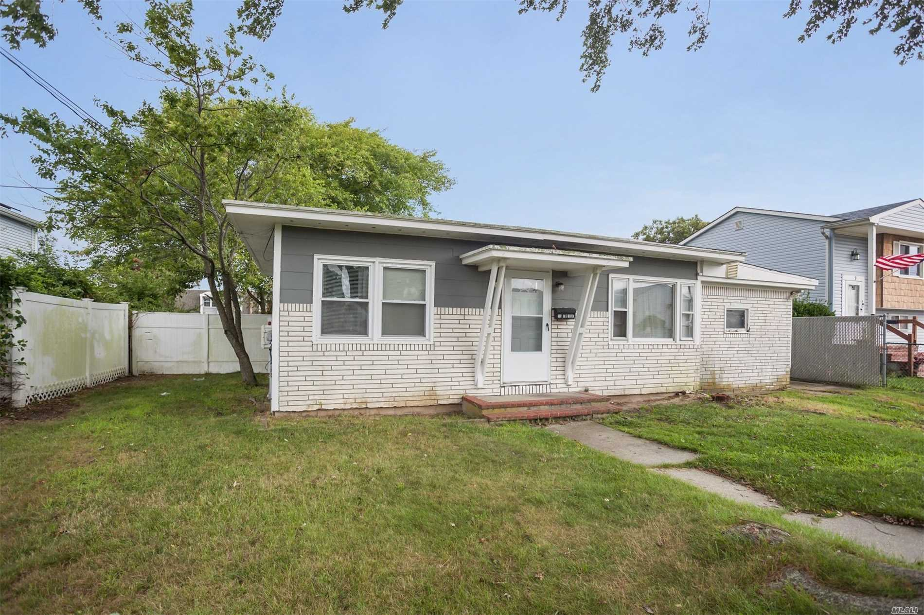 55 Price St - Patchogue, New York