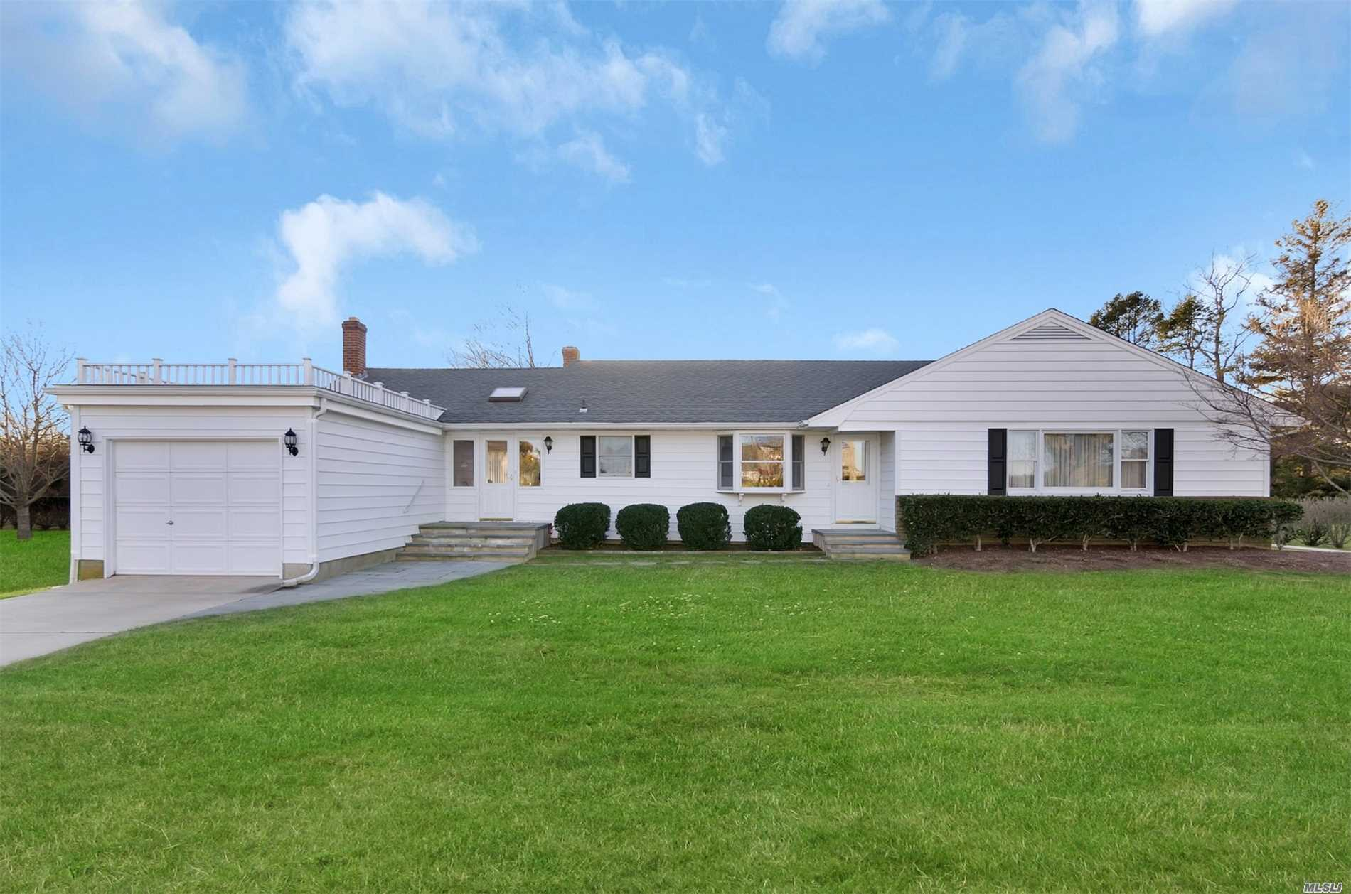 3070 Bay Shore Rd - Greenport, New York