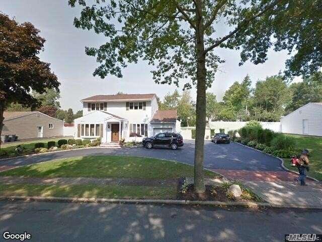 14 Kinsella St - Dix Hills, New York