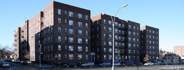 114-20 Queens Blvd: Fantastic Forest Hills Co-Op