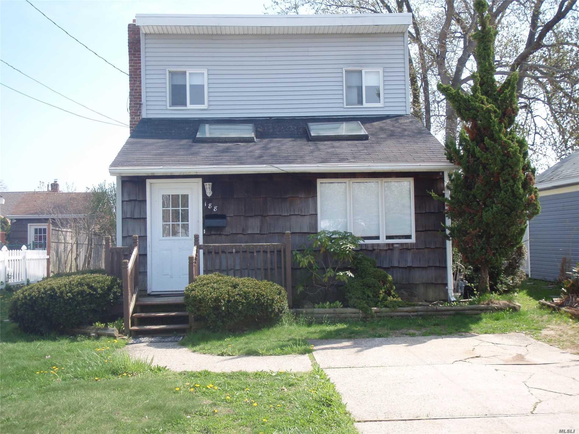 188 North Wisconsin Ave - Massapequa, New York