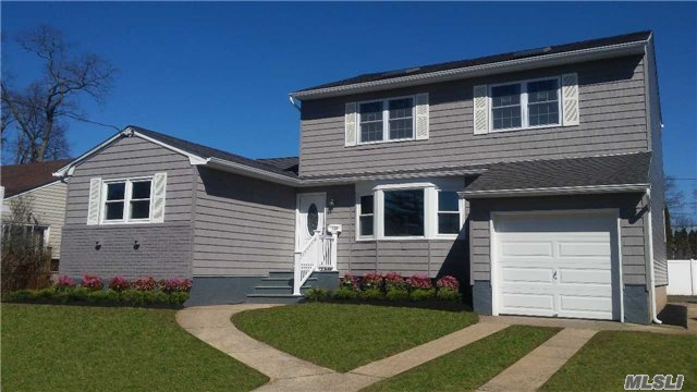 Welcome Home! Beautiful Bellmore Home Just listed!