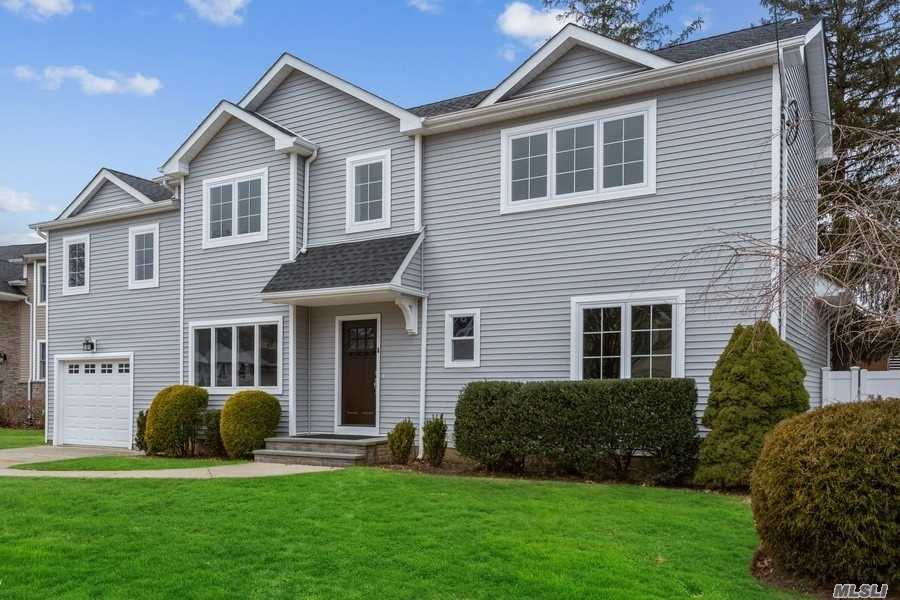 6 Nathan Ct - Syosset, New York