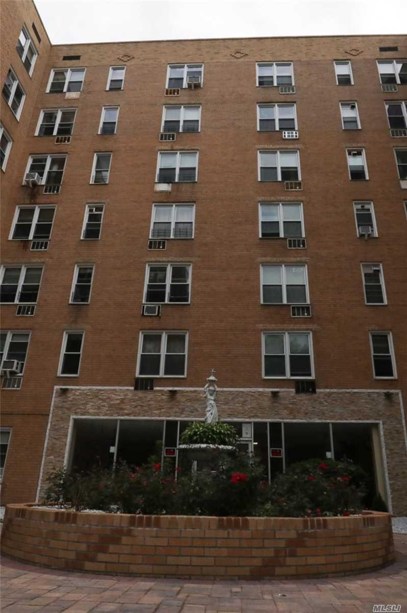 42-42 Colden St, B9 - Flushing, New York