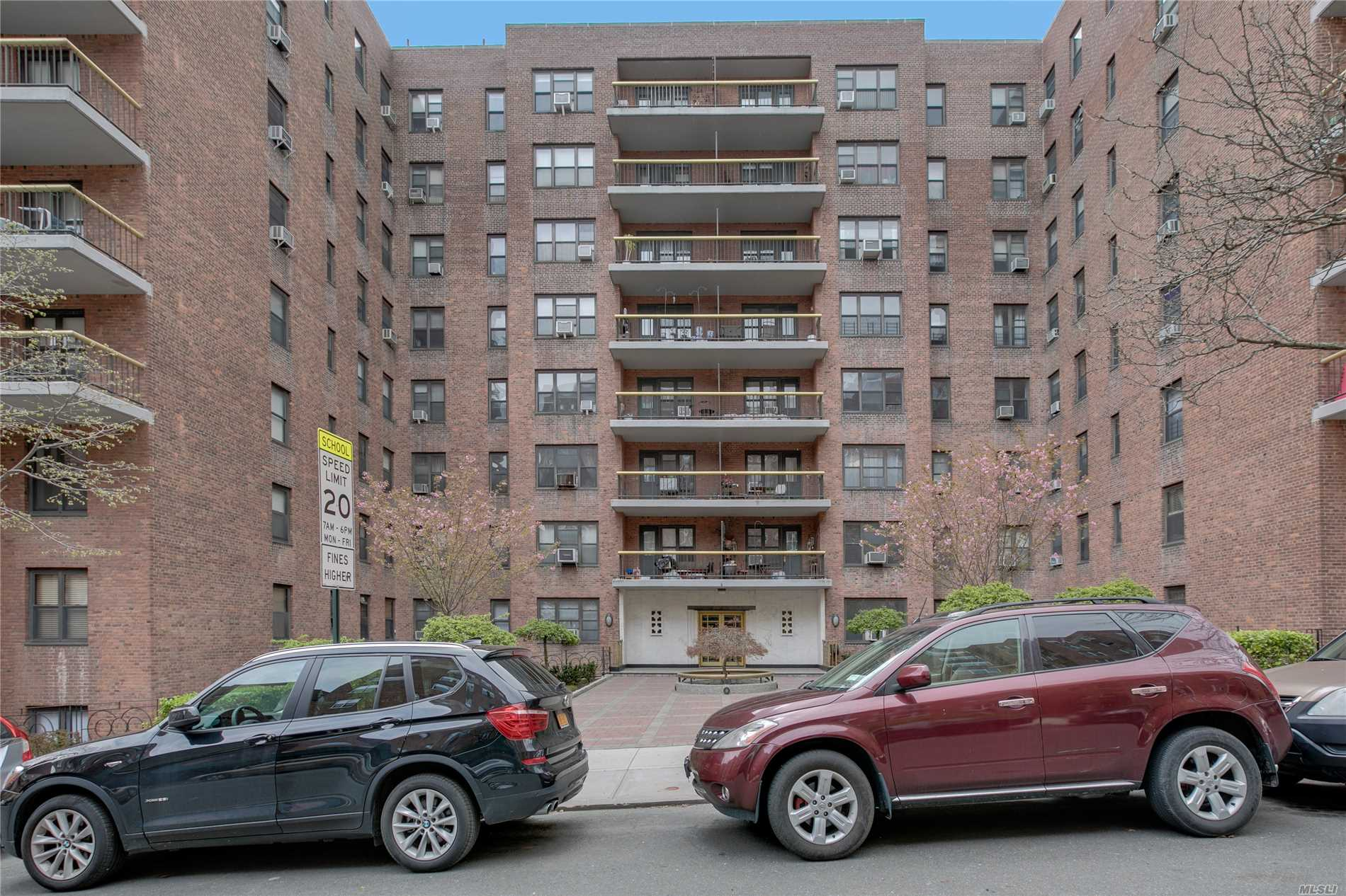 67-76 Booth St, 3O - Forest Hills, New York