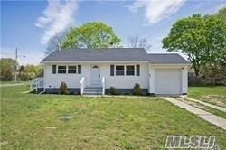 861 Doane Ave - Bellport, New York