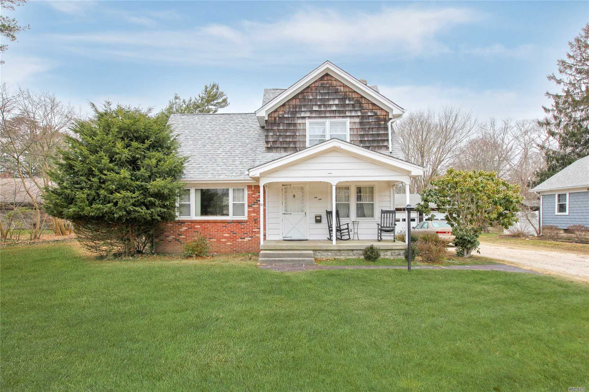 68 Durkee Ln - E. Patchogue, New York