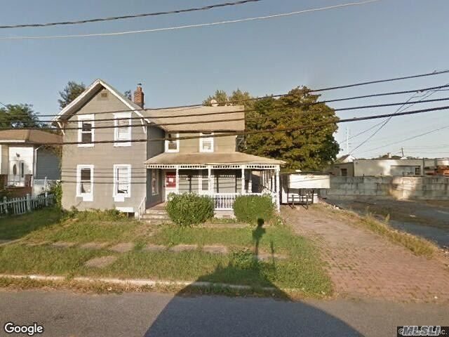 116 N 8th St - Lindenhurst, New York