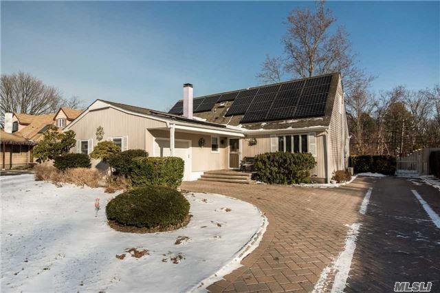 461 Greenbelt Pky - Holtsville, New York