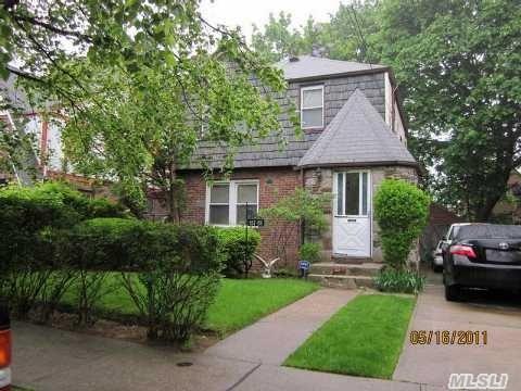 Sold: 137-28 173rd St, Springfield Gdns, NY 11413