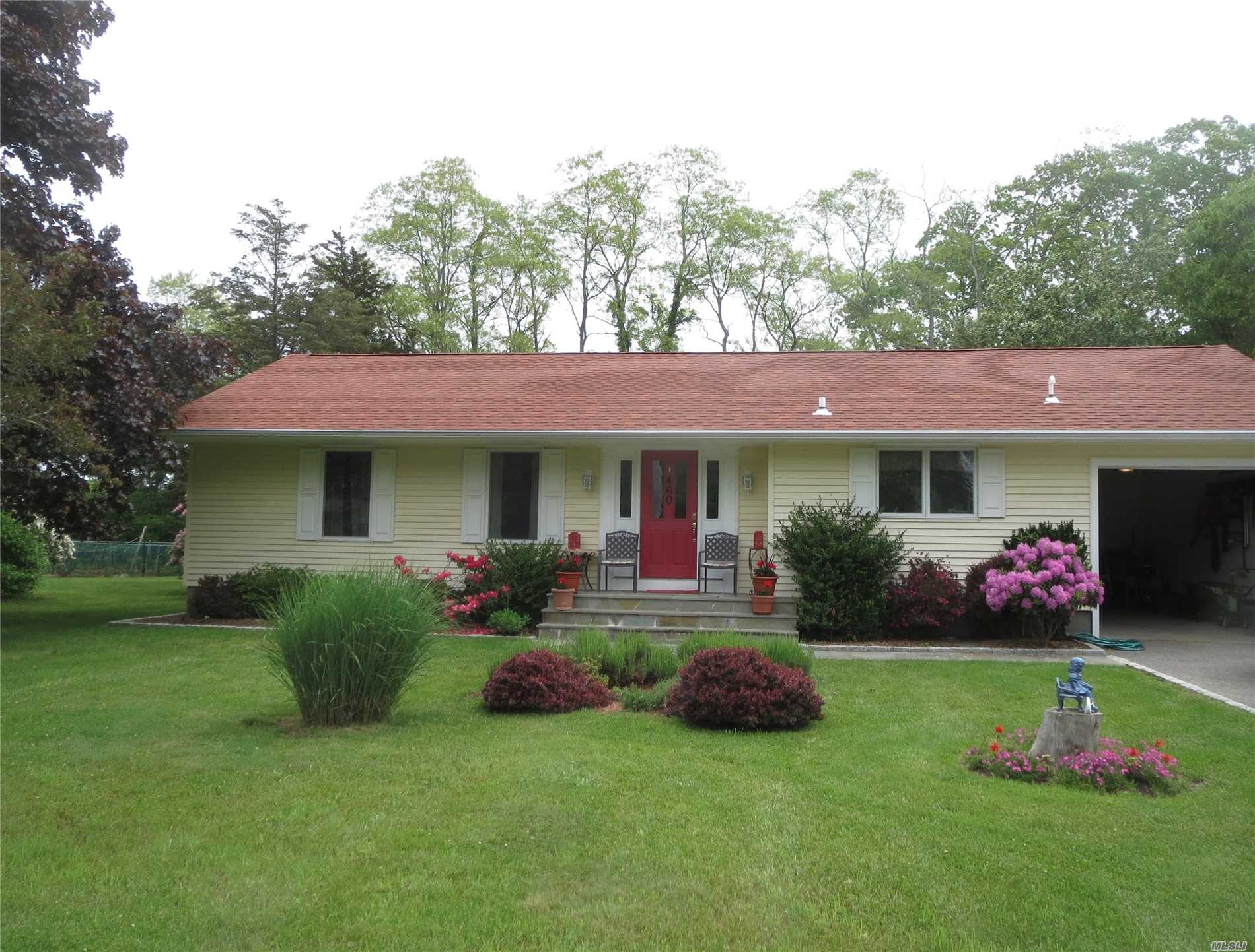 460 Kayleighs Ct - East Marion, New York