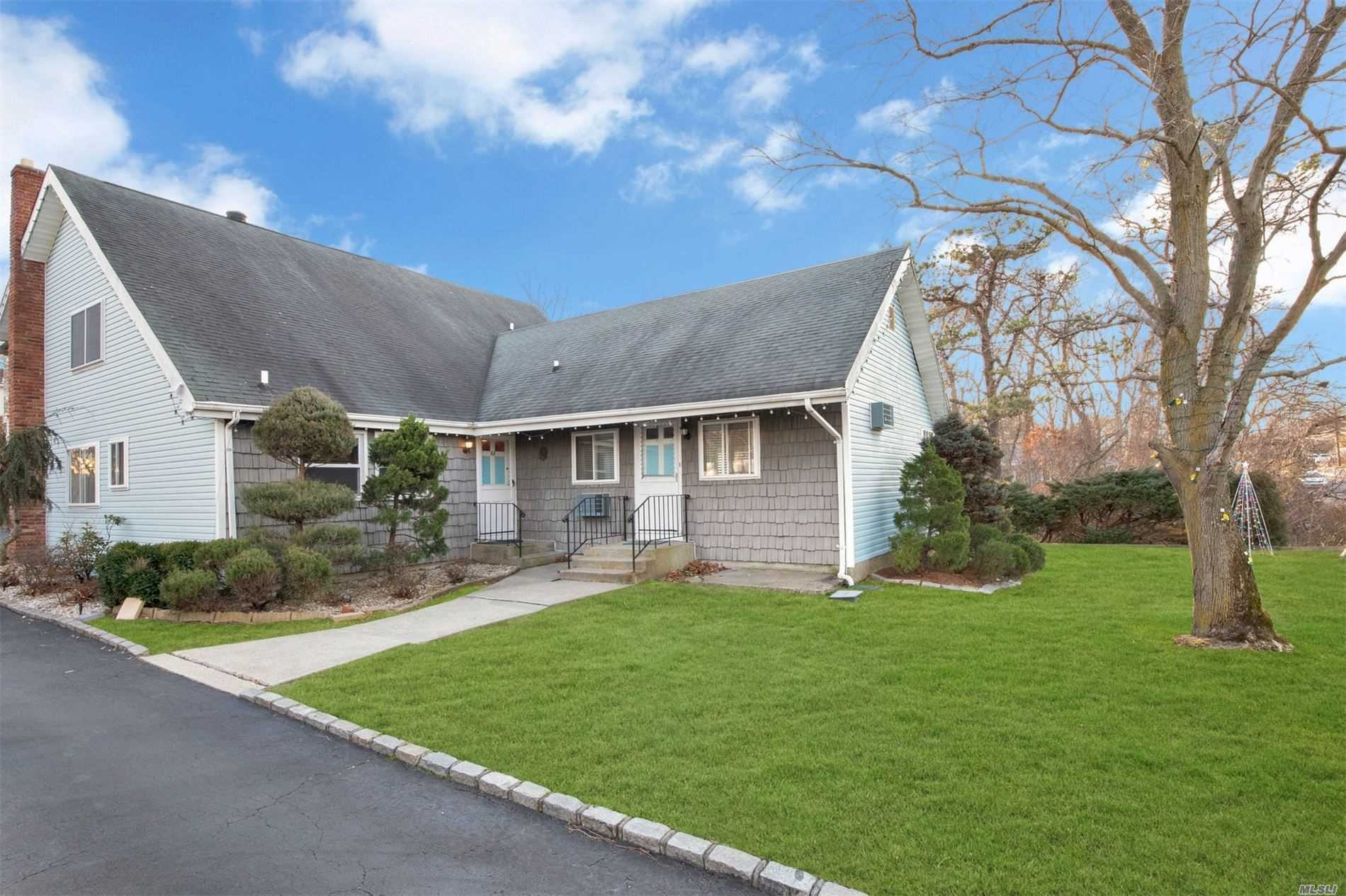 68 W Woodside Ave - Patchogue, New York
