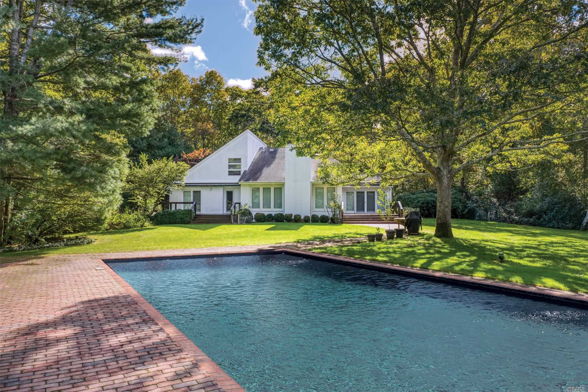 28 Settlement Ct - East Hampton, New York