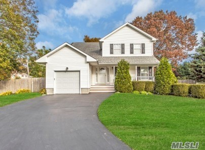 11 Ardito Ct - Lake Ronkonkoma, New York