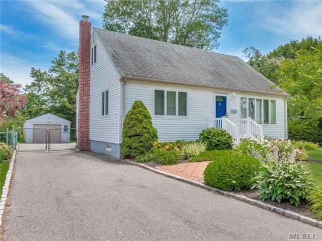 38 Oakwood St - Greenlawn, New York