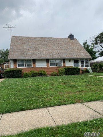 2431 3rd Ave - East Meadow, New York