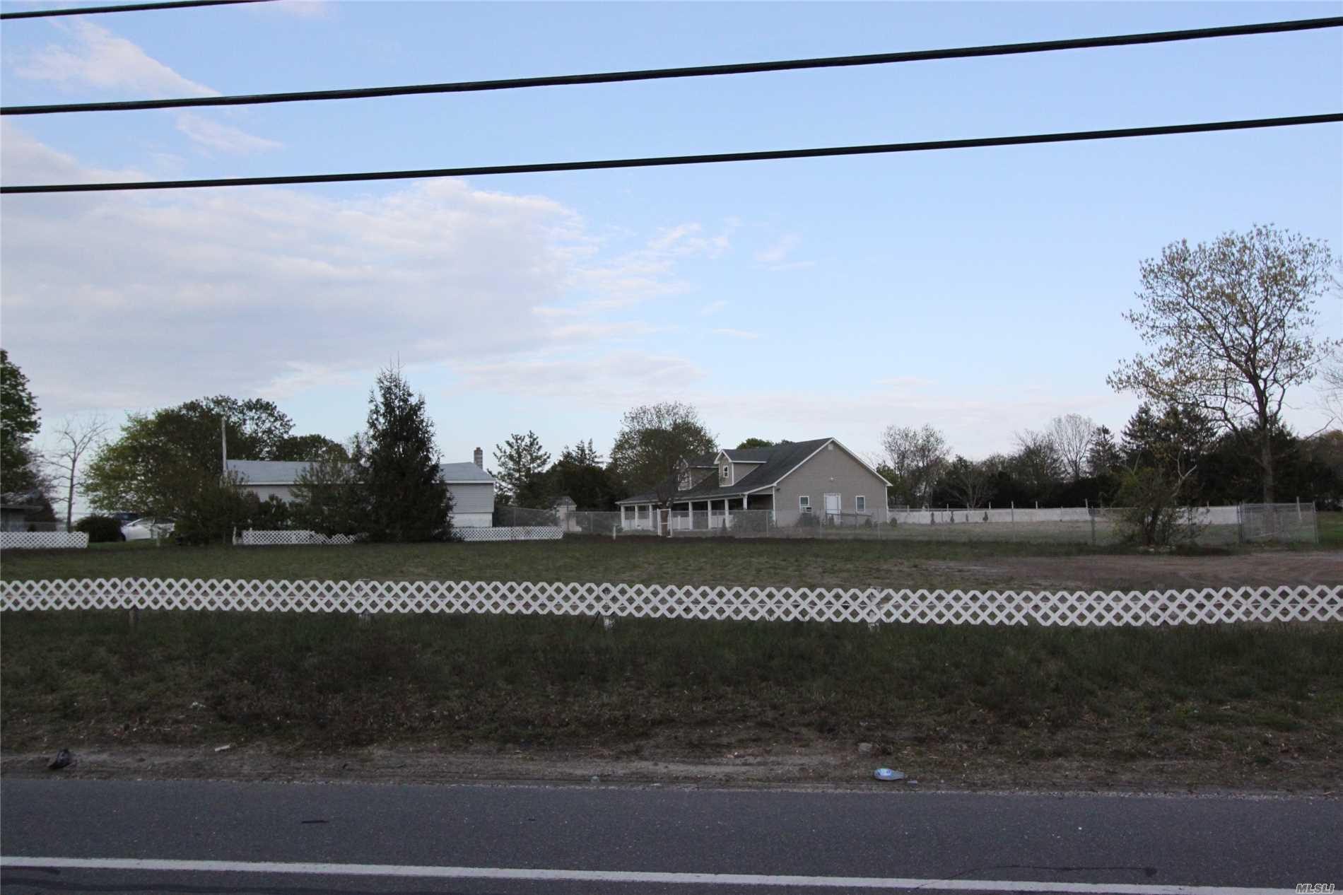 1155 Northville Tpke - Riverhead, New York