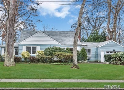 24 Glengariff Rd - Massapequa Park, New York
