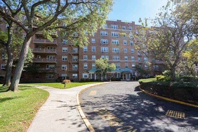 151-35 84th St, 2K - Howard Beach, New York