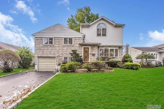 3934 Daleview Ave - Seaford, New York