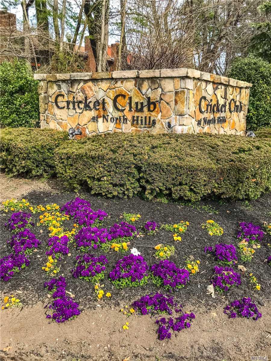 37 Cricket Club Dr - Roslyn, New York