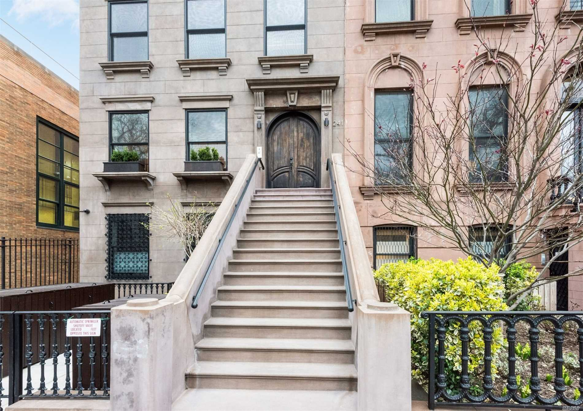 241 Carroll St, 3 - Carroll Gardens, New York