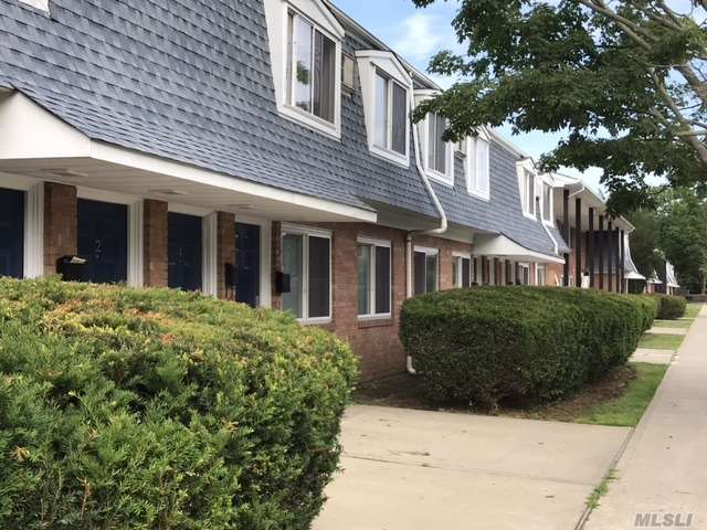 3547 Great Neck Rd, 49D - Amityville, New York