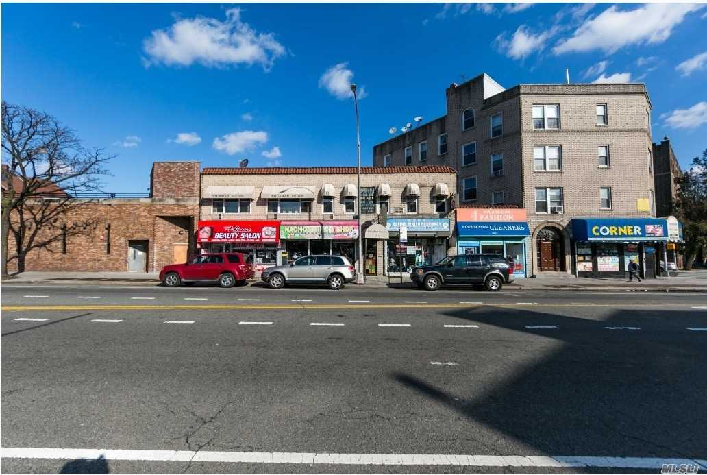76-11 Broadway - Elmhurst, New York