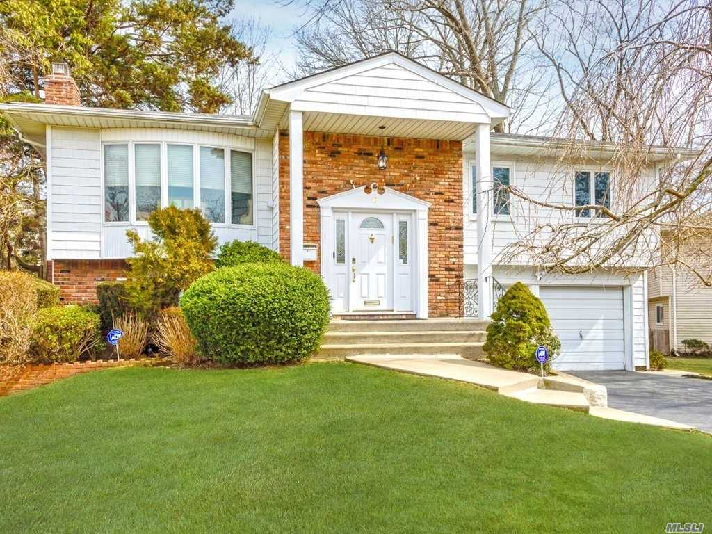 6 Reed Dr - Searingtown, New York