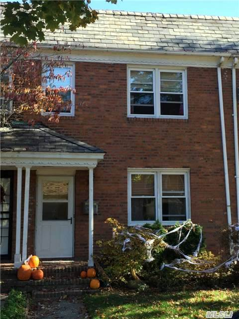 Sold: 75-25 168 St, Fresh Meadows, NY 11366