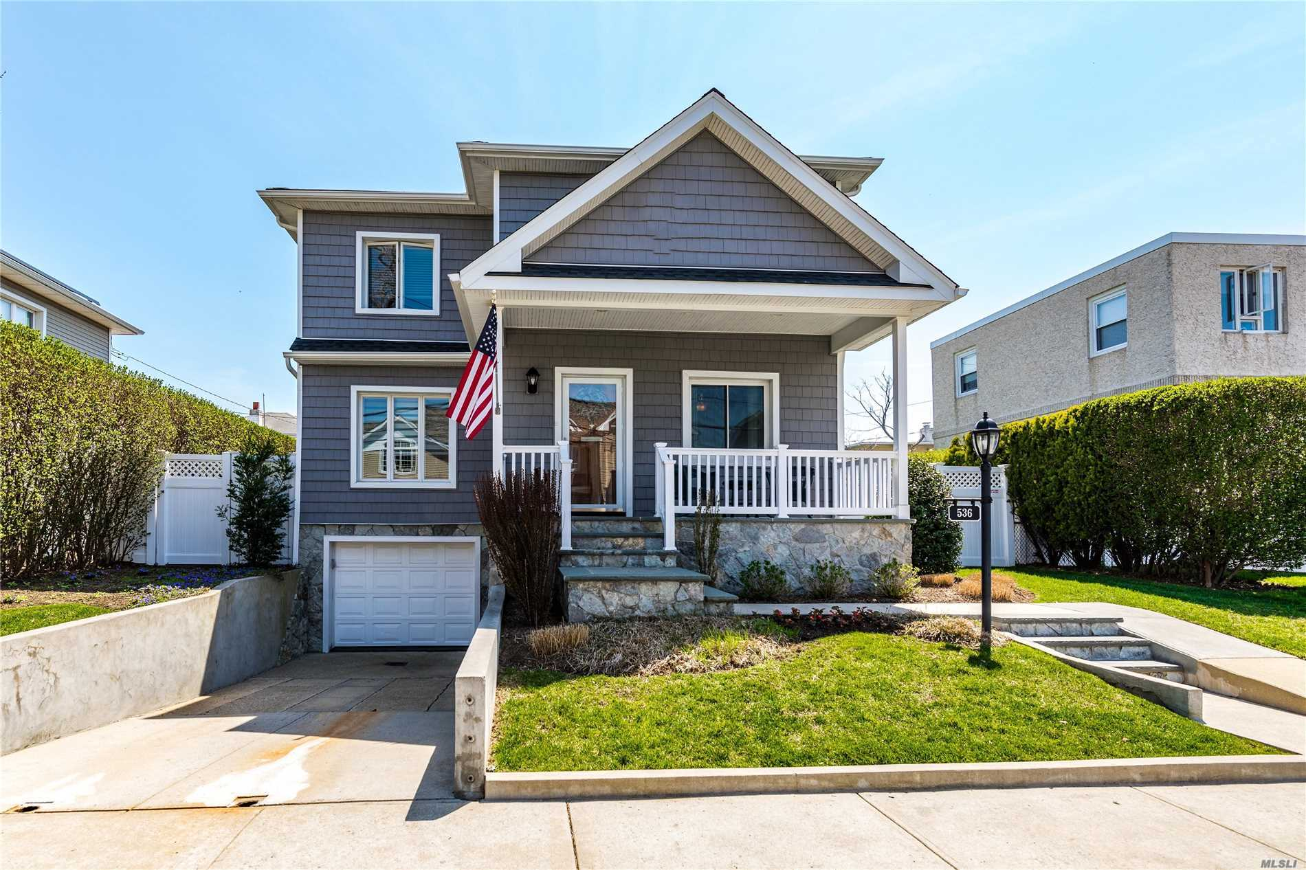 536 E Bay Dr - Long Beach, New York