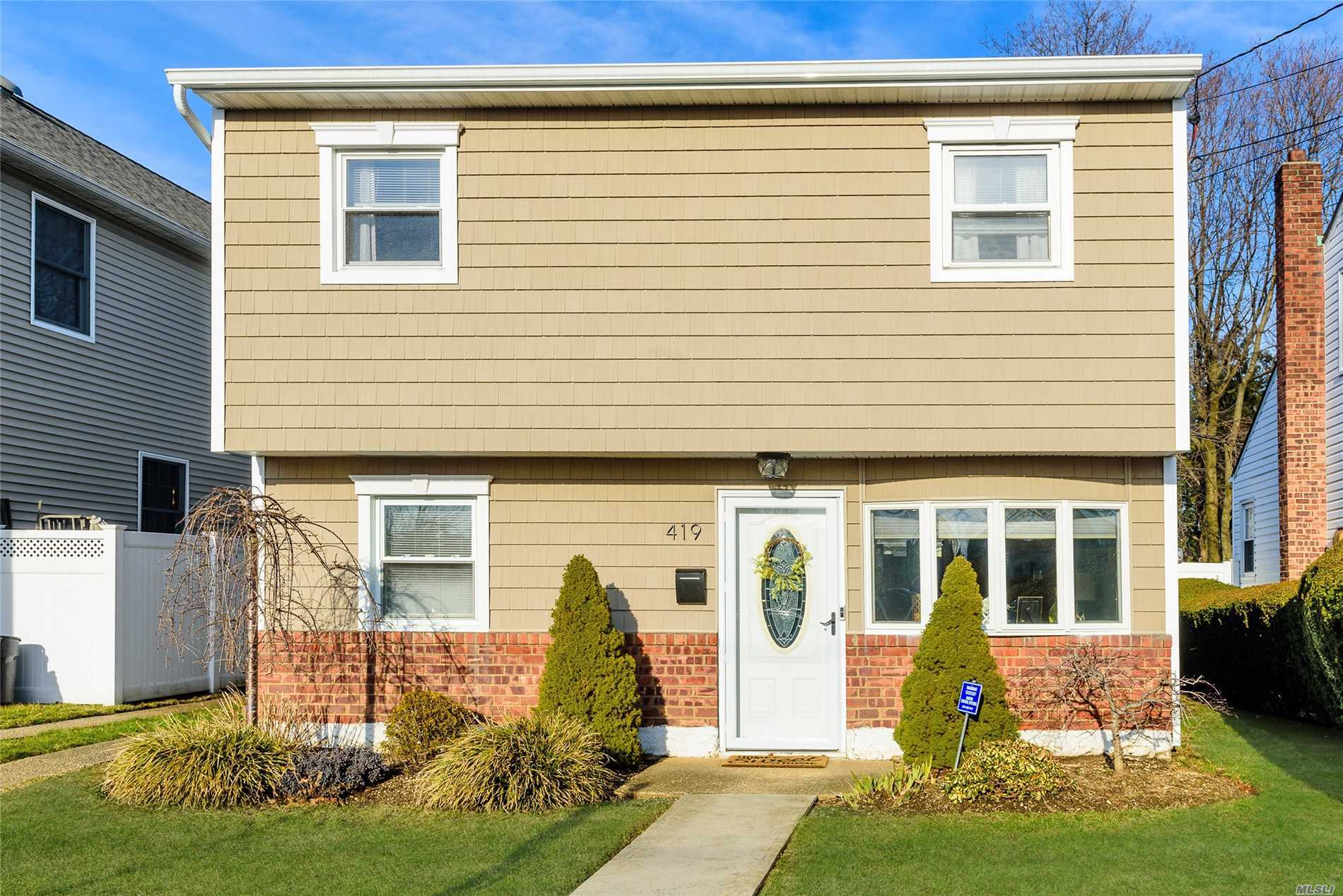419 Gates Ave - East Meadow, New York
