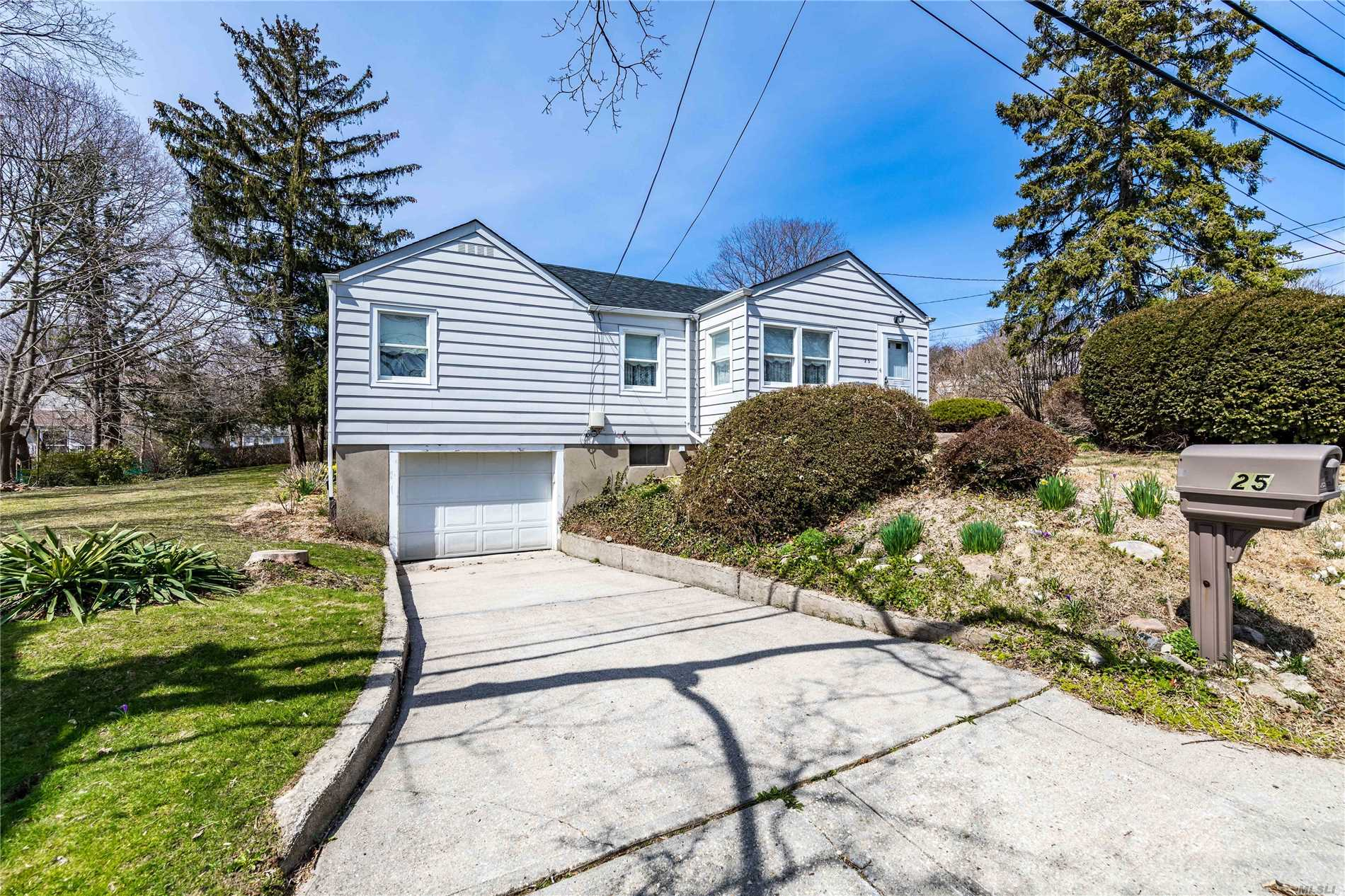 25 Valentine Ave - Huntington, New York