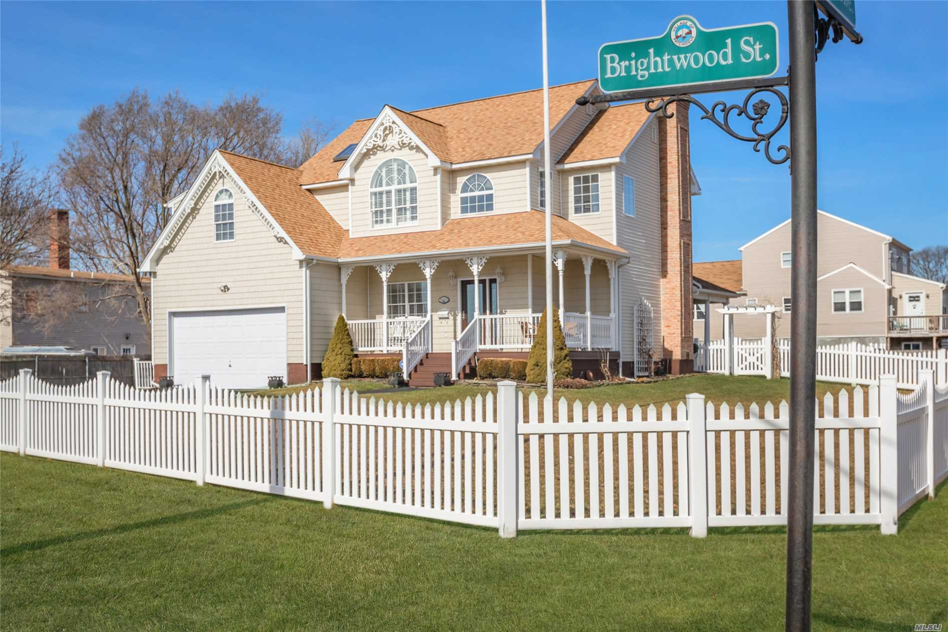 5 Brightwood St - Patchogue, New York