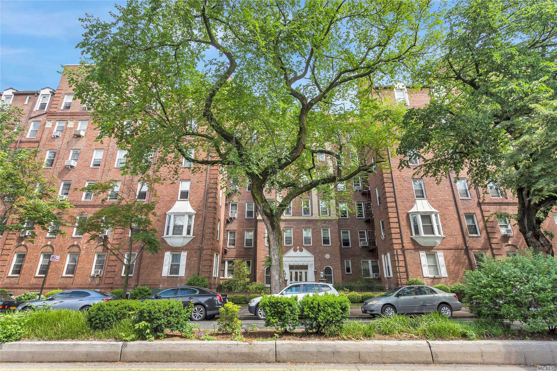 72-17 34th Avenue, 2G/H - Jackson Heights, New York