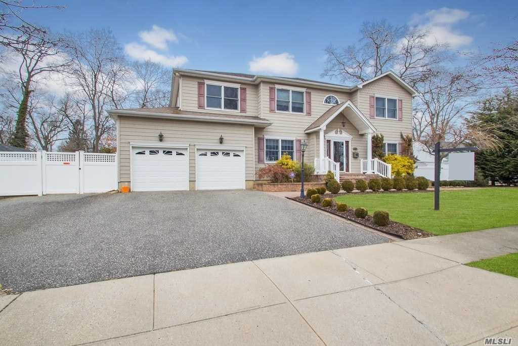 23 Baltimore Ave - Massapequa, New York